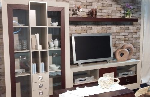 Mueble salon Noa en tablero roble y MDF